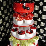 kjærlighets cupcake bryllupskake